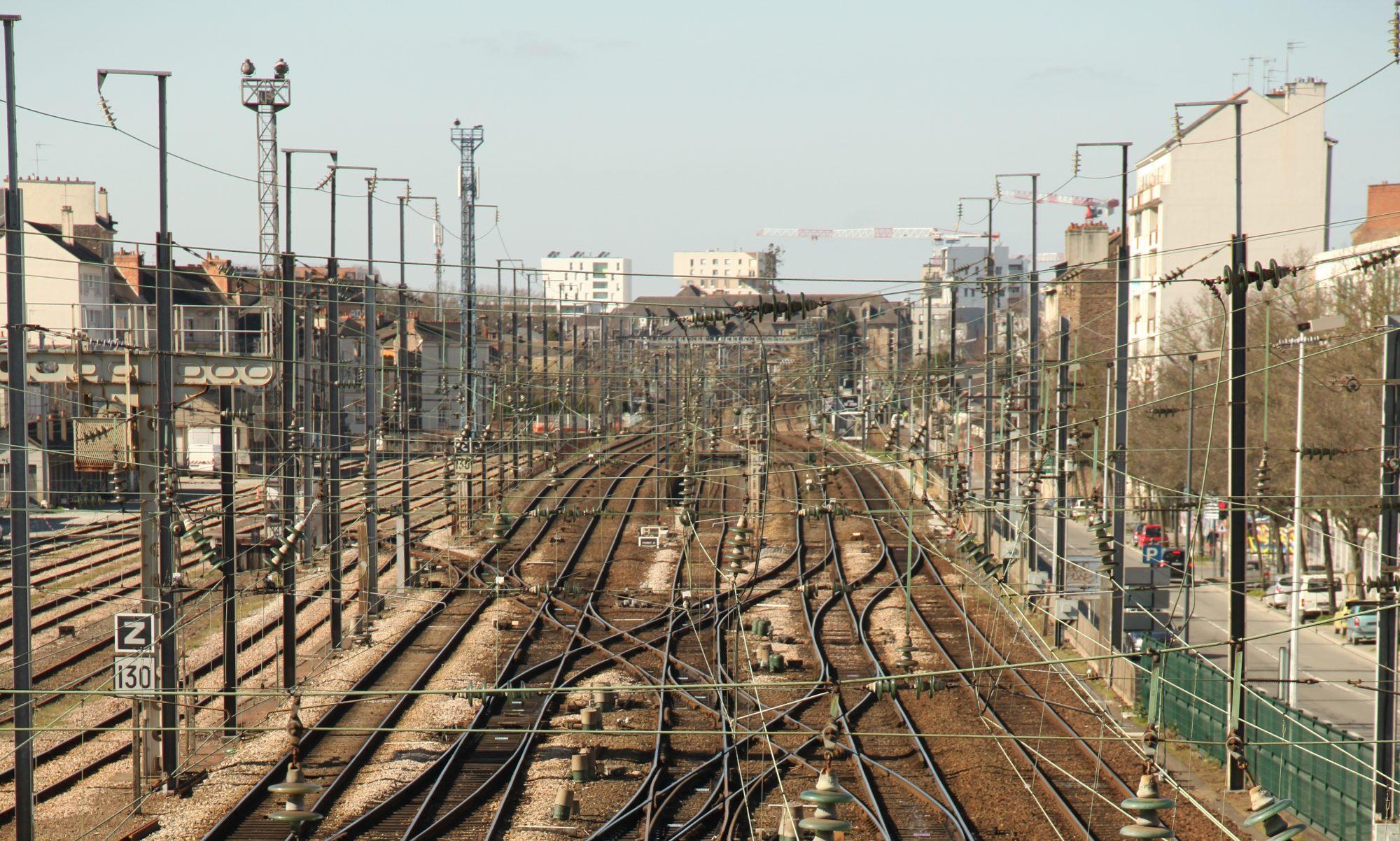 TRAIN-TRAINS
